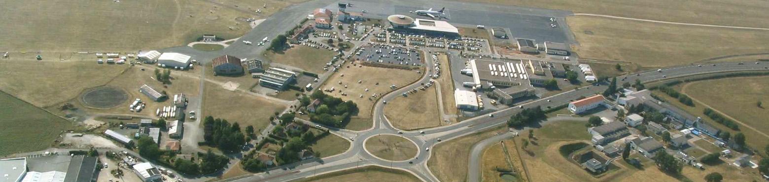 Vue aérienne de l'aéroport de Poitiers