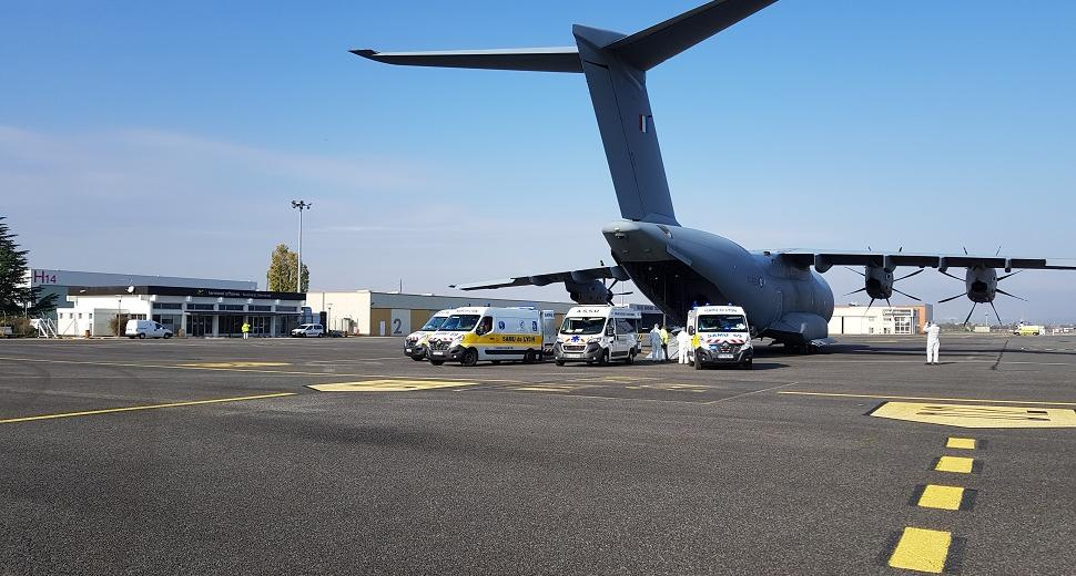 Airbus A400M sur le tarmac de l'aéroport Lyon-Saint Exupéry