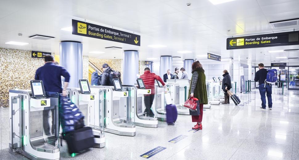 En unifiant son logiciel de gestion aéroportuaire, VINCI Airports homogénéise la haute qualité de service offerte à tous ses voyageurs, partout dans le monde.